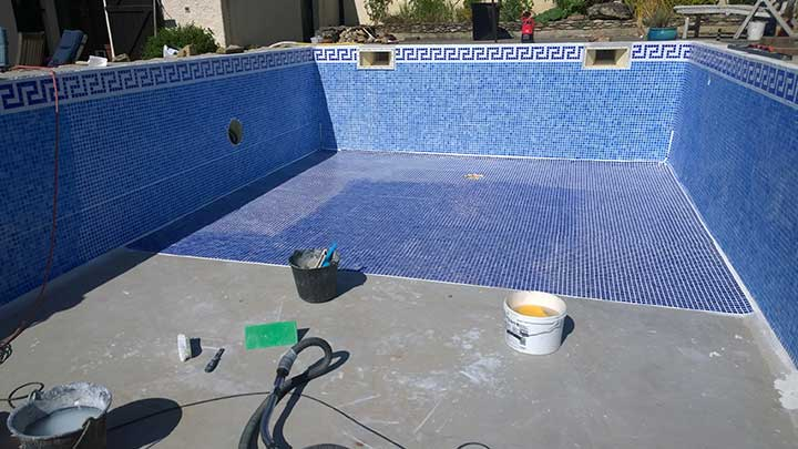 Swimming Pool Development Services : Swimming pool tiling apw building services