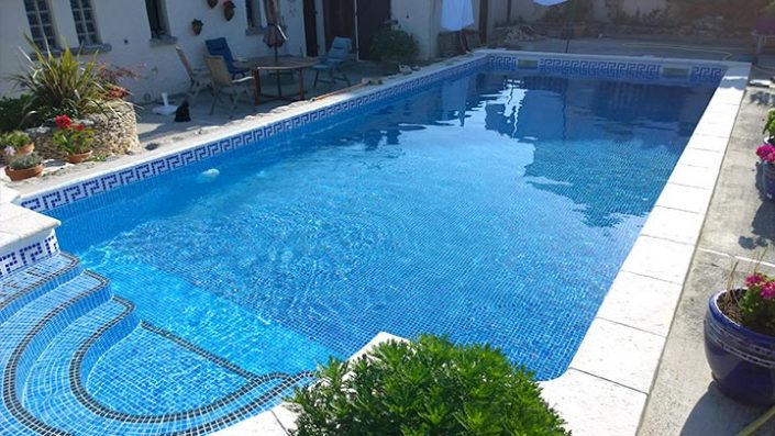 Swimming pool tiling apw building services for Swimming pool construction services