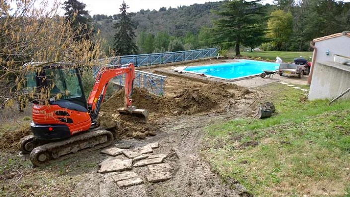 Swimming pool construction company in Hertfordshire